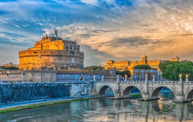 Il Castel Sant'Angelo a Roma: da Mausoleo di Adriano a Fortezza Papalina